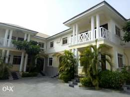 For rent 2bedroom in a block of flats with general Gen in Jabi Abuja