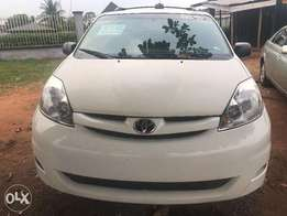 Direct Toyota Sienna 2007 Low Mileage