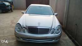 A very Clean Tokunbo 2003 Mercedes-Benz E320