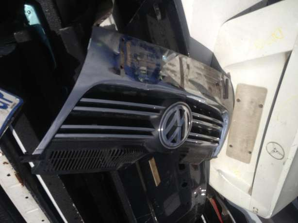 Good condition Genuine clean jetta 5 grille for sale Bramley - image 1
