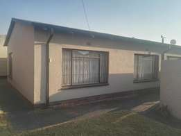 Rooms and Cottages to let Roodepoort west.