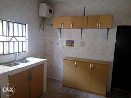 Newly built 3 bedroom all en-suit apartment for rent in apo lokogoma