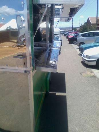 Mobile food warmer R55000 Soshanguve - image 2
