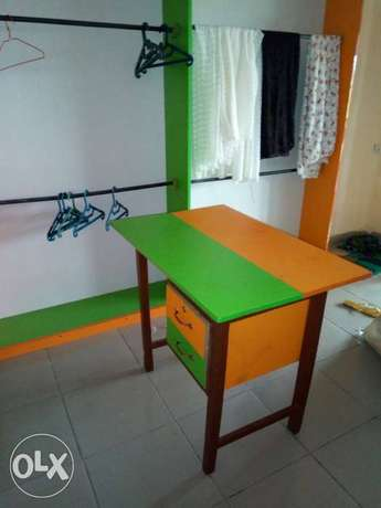 Clean furniture for shop. Three pieces floor to ceiling shelves. Badagry - image 4