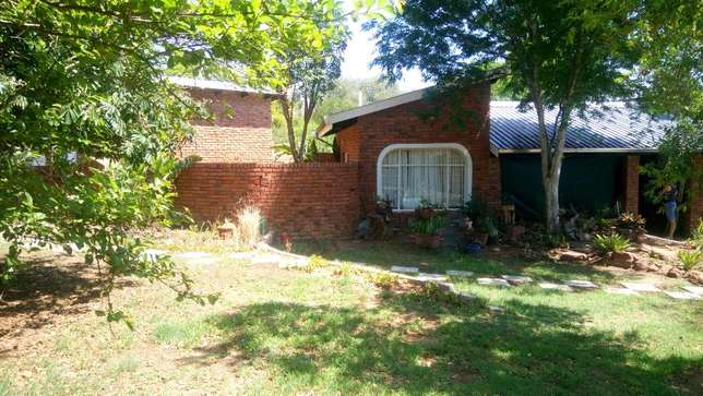 Stunning Family Home - URGENT SALE!! Nylstroom - image 1