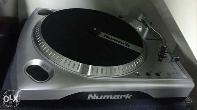 "Numark TTUSB Turntable with USB Audio Interface, 1/8"" Input RCA Output"