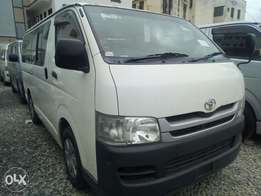 Manual petrol Hiace Pearl