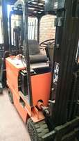 Daewoo 2T Electric forklift for Sale!