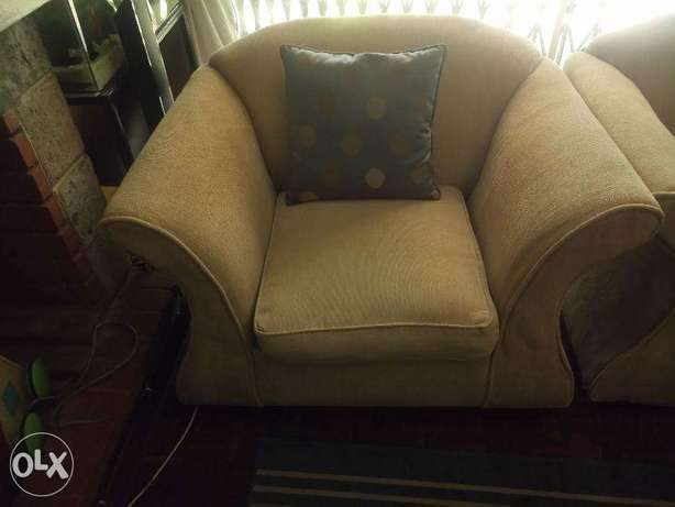 Comfy lounge sofa set for sale Kilimani - image 3