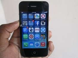 iPhone 4G,16gb -(insanely clean)