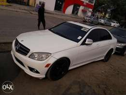 Super clean 2008 Mercedes Benz C300.accident free.first body