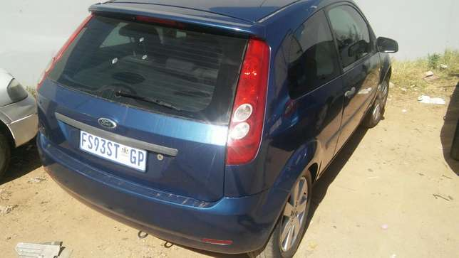 2008 Ford fiesta R54000 Negotiable Sandton - image 2