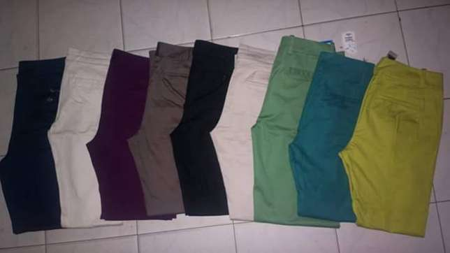 Second hand (mtush)Khaki pants,tops,shoes jeans Nairobi CBD - image 2