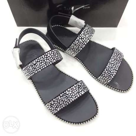Italy slippers designs have on tunds store Lagos - image 5