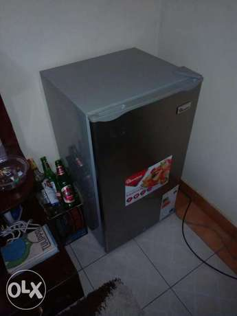 A fridge and a TV stand Fedha - image 1