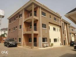 Exquisite 3bedroom serviced flat+BQ in a Serene environment at Guzape.