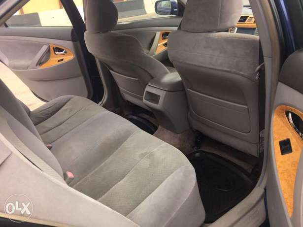 Super clean 2008 naija used Toyota Camry LE for 1.9m Lagos Mainland - image 3