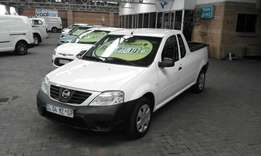 Nissan np200 1.6 safety pack aircon