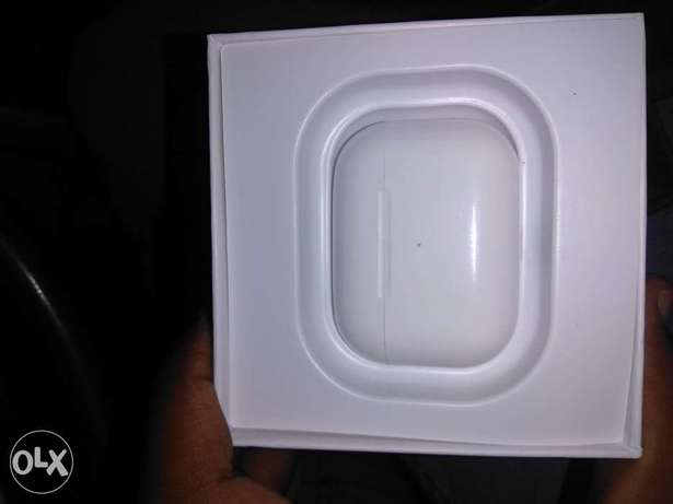 orignal Apple Airpod pro total fresh and new minor use can chek serial