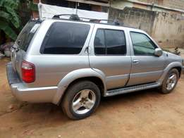 Neatly used Infiniti QX4 2000 model
