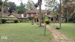 4 bedroom with a dsq and a guest house