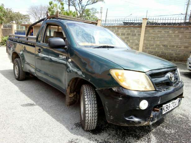 Affordable toyota Hilux 2008 Hurlingham - image 3