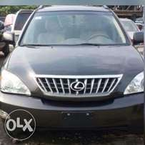 A clean clear tokunbo 2006 model Lexus 330