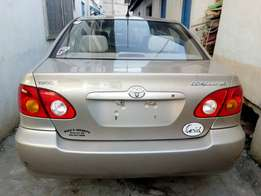 100 % classy tokunbo Toyota corolla 2004 first body, accident free