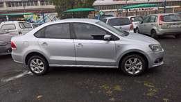 Volkswagen polo sedan 1.6 comfortline auto, Cloth Upholstery, Full