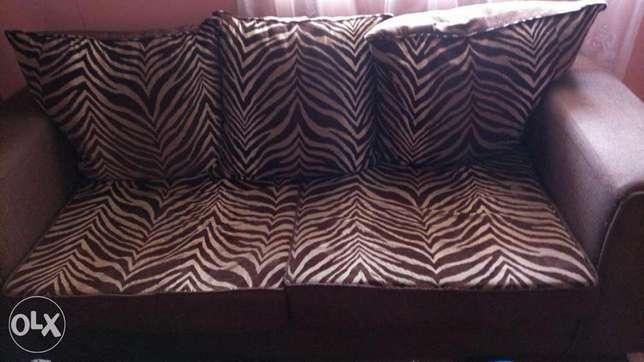 7 seater seat in good condition if interested what's up me ! Embakasi - image 1