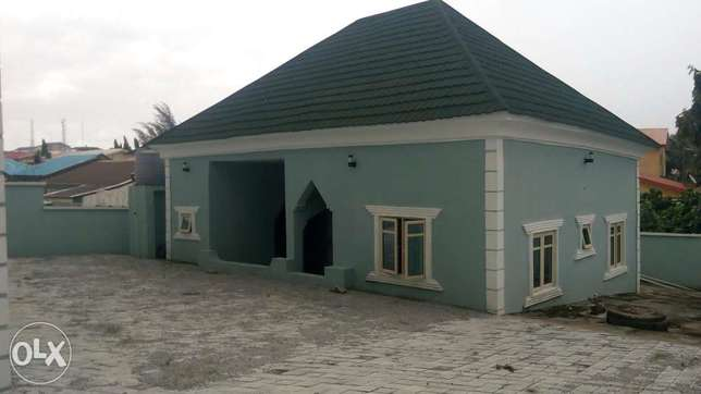 4bedroom semi detached duplex with 3rooms bq in Gwarinpa for sale Gwarinpa Estate - image 2