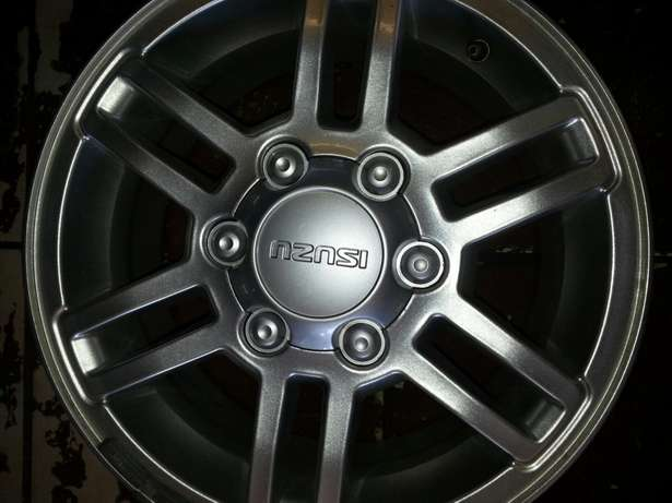 "16""inch magrims for lsuzu bakkies on sale in very good condition. Pretoria West - image 4"