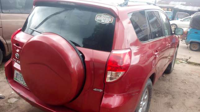 Extremely sound and neat 2007 RAV4 with factory chilling AC Warri South - image 4