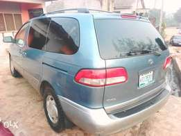 Toyota sienna xle sound for travelling