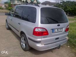 Xcellent and Sparkling 4 cylinder soundless engin tokunbo Ford Galaxy