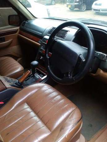 RANGE ROVER 4.0 HOUSE: Very neat,well maintained and in good condition Westlands - image 4