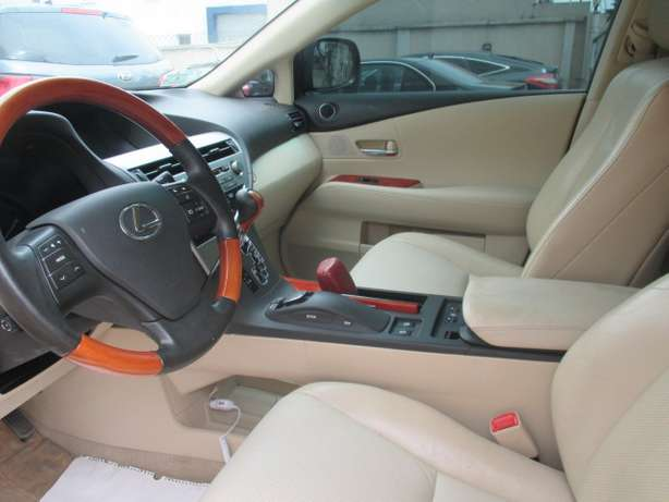 Extremely Clean Lexus RX350,011 Tokunbo Lagos Mainland - image 3