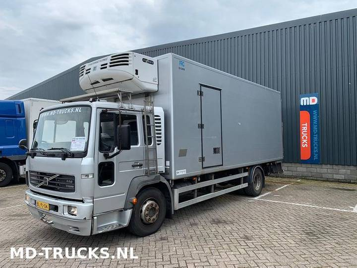 Volvo FL 614 manual - 2002