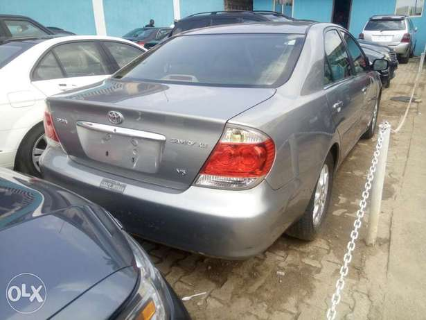 Toyota Camry V6 xle foreign used 2006model for Sale Ikeja - image 1