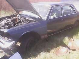 Mercedes Benz 230E W123, 300E W124 and 380SE W126 stripping for spares