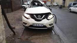 2015 nissan xtrail breaking up for spares