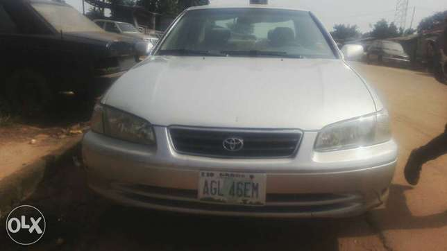Clean registered Toyota Camry Moudi - image 2