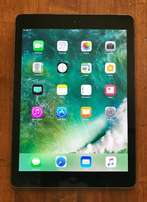 Apple iPad Air 1st Gen 128GB, Wi-Fi + Cellular, 9.7in - Space Gray