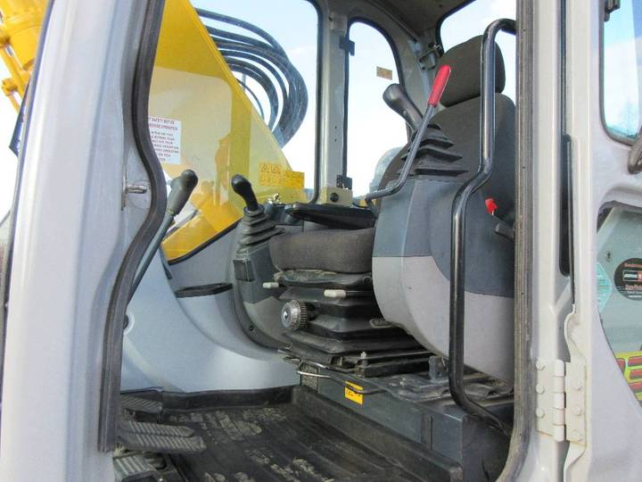 New Holland E135bsr - 2008 - image 6