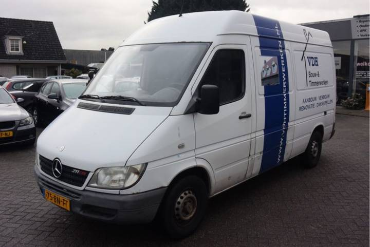 Mercedes-Benz Sprinter 211 CDI 2.2 355 - 2003