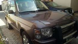 Supreme clean barely used 2004 Range rover vogue bought brand