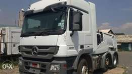 Mercedes Benz 2546 and 2544 prime mover
