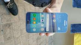 Samsung s6 32gb!No scratches at all.