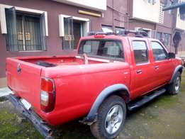 Very clean Nissan frontier pick up for sale manual gear with auxlary