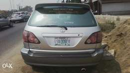 Nigerian used toyota Lexus first body very clean